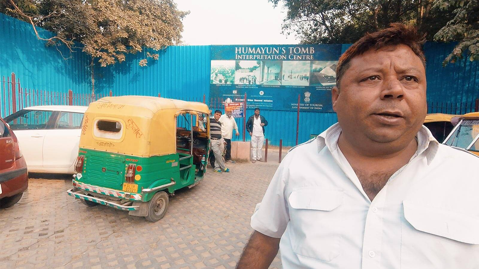 India Rickshaw Scams Exposed & How to Get the Best Price Video. Photo © Karl Rock.