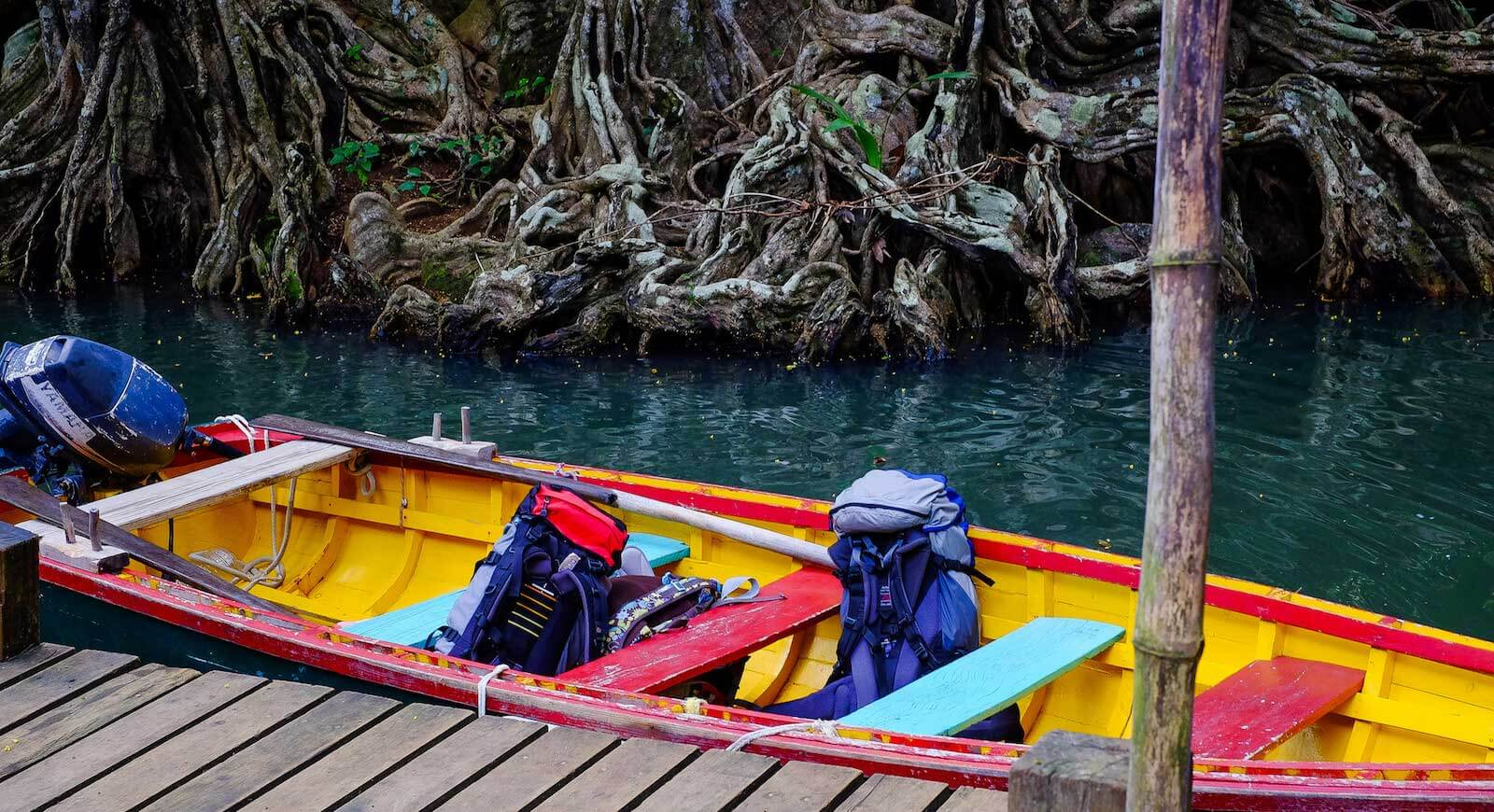 7 Must-Have Travel Accessories for India. Photo by Matthias Ripp (https://flic.kr/p/q2dgEV).