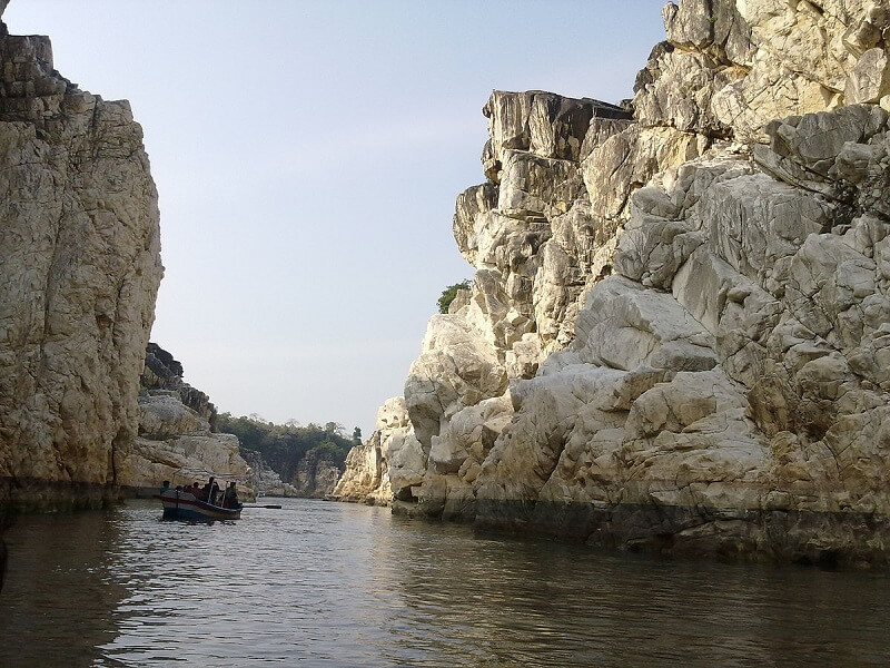 White Marble Rocks at Bhedaghat, MP. Photo source: Wikimedia
