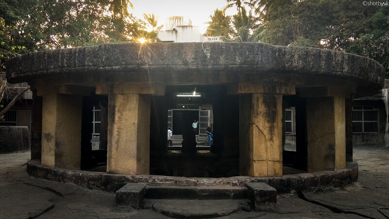 Pataleshwar Caves, Pune. Photo source: shotbyvk